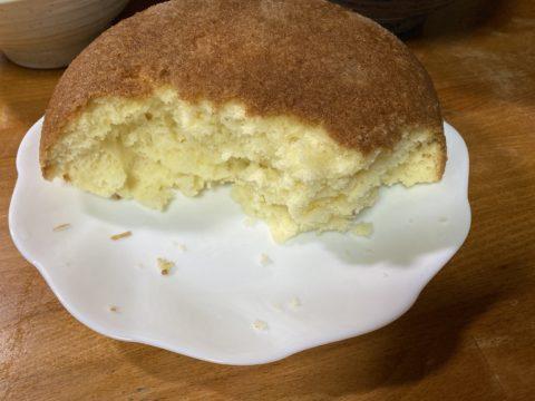 炊飯器で作ったホットケーキは分厚くてふわふわ